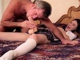 La video X Un teen encule un vieux pervers ! est similaire a celle-ci
