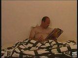La video X Le film porno d'une femme infidèle baisée par le pote de son mari est similaire a celle-ci