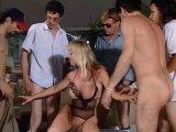 La video X Un gang bang magistral pour une blondasse est similaire a celle-ci