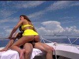 Film X Gratuit Un petit tour en bateau qui part en couille offert par Porn4You